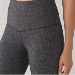 Lululemon High Rise Wunder Under Leggings Size 4